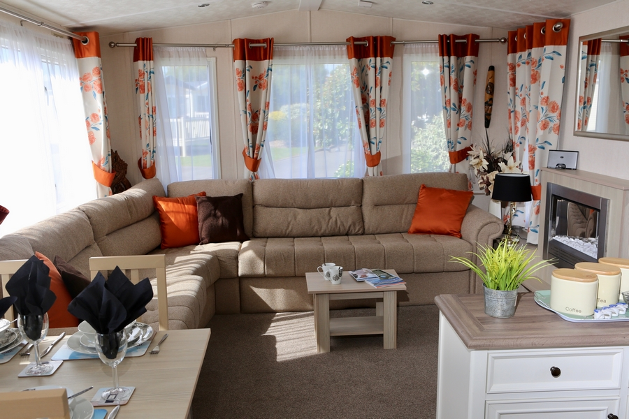 Platinum 3 Bed Caravan, Par Sands, Dog Friendly