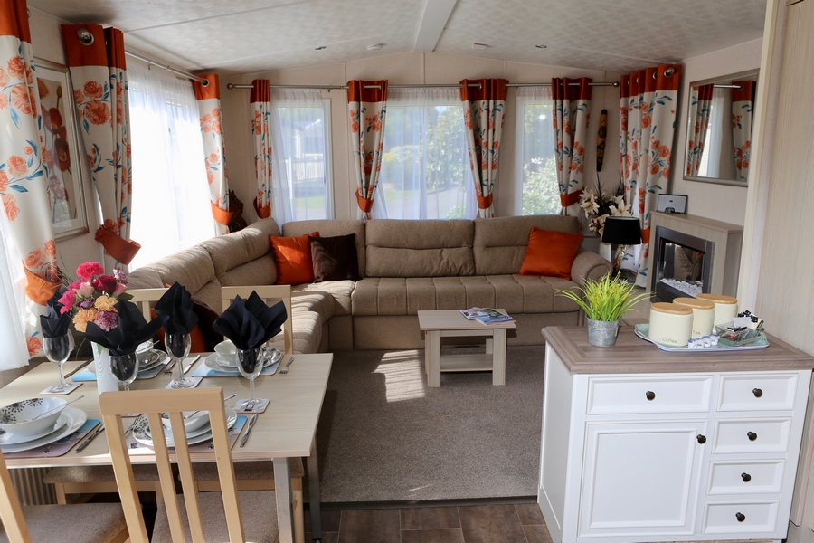 Platinum 2 Bed Caravan, Par Sands, Dog Friendly