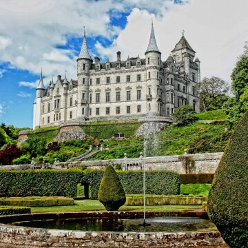 Stunning Historic Houses & Gardens to Visit in the UK