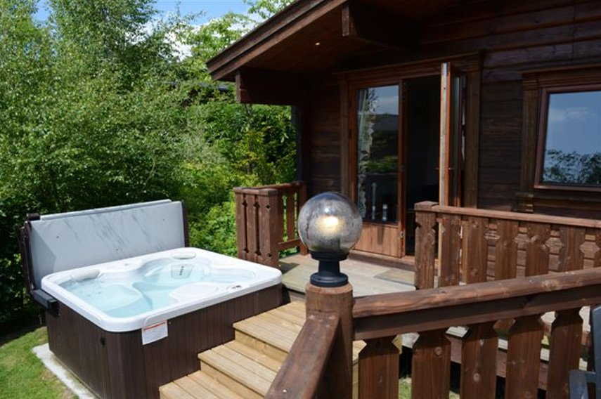 3 Bed Standard Lodge (With Hot Tub), Rhayader photo