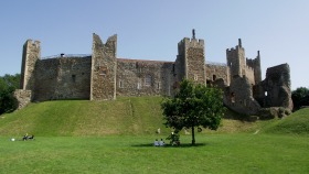 Suffolk Framlingham Castle